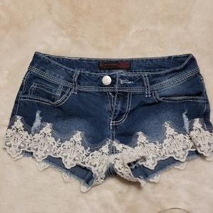 2/$15 No Boundaries Jean Shorts witb Lace  size 5